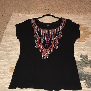 Geometric and black shirt. Size large.